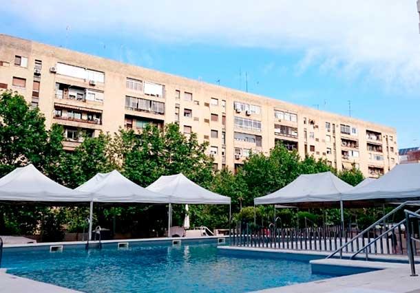 Venta e instalaci n de toldos en sevilla for Alquiler vacacional sevilla piscina